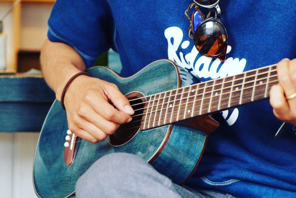 Ainoneiro〜神山×海部  藍染ギター演奏会